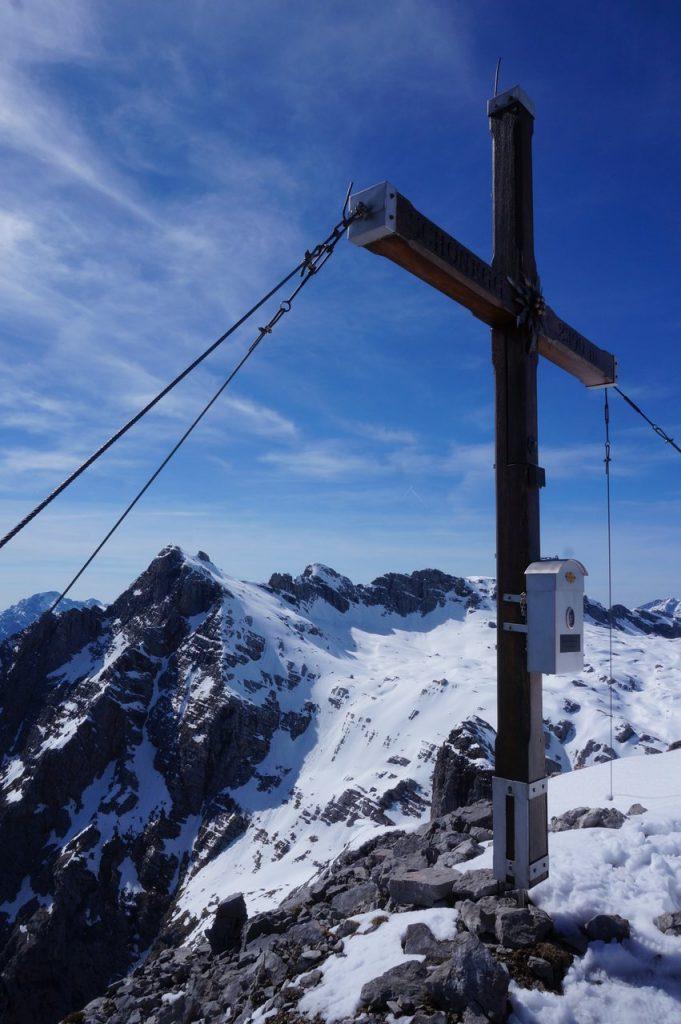 Gipfelkreuz am Schönegg 2390 m
