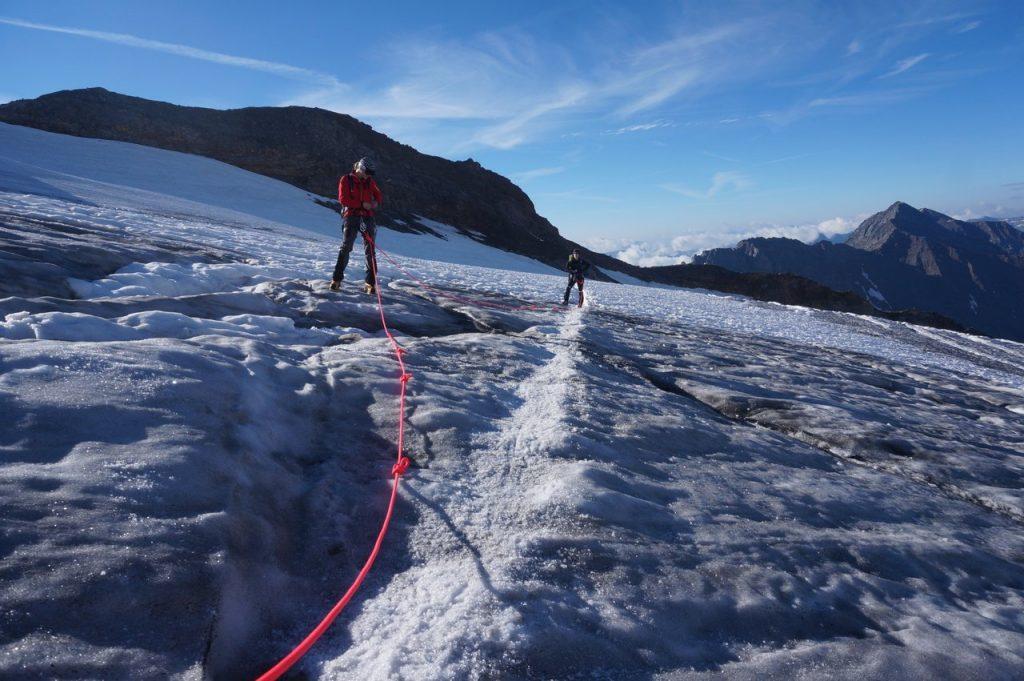 Gletscherseilschaft mit Michi und Sarah