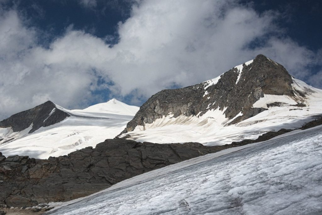 Hohes Aderl (3504m), Groß Venediger (3660m) und Rainerhorn (3560m)
