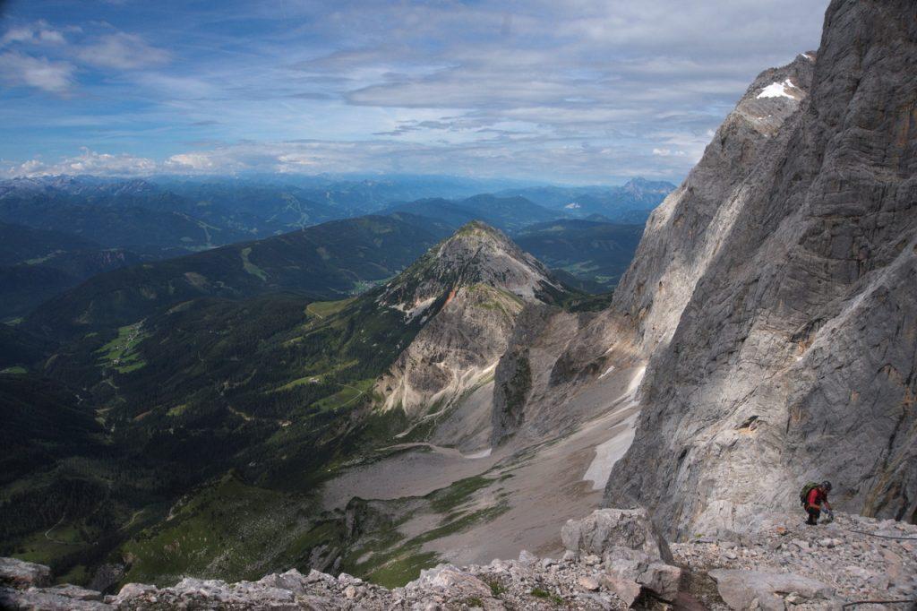 Ausblick von einer Rast im oberen Teil des Johann Klettersteigs