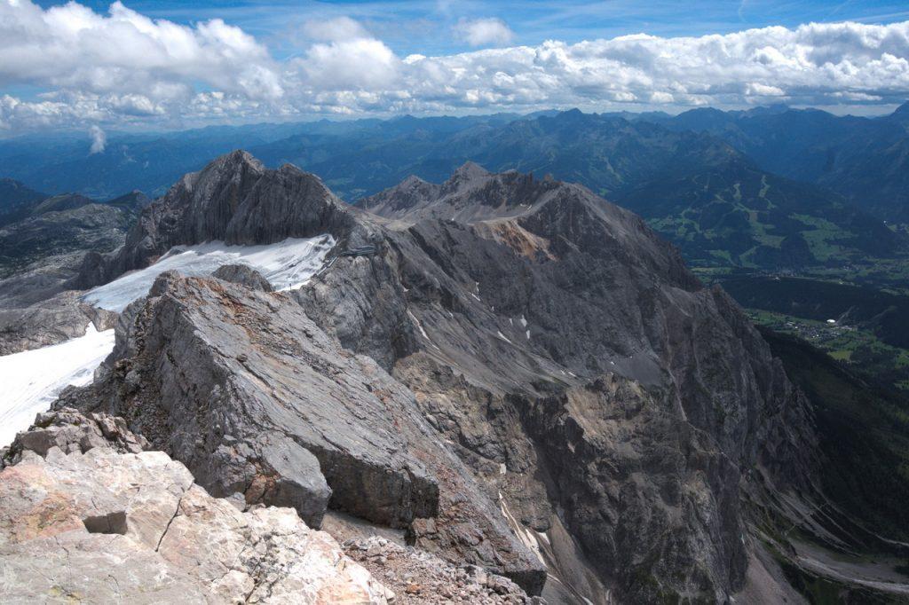 Blick vom Gipfel in Richtung Dirndl
