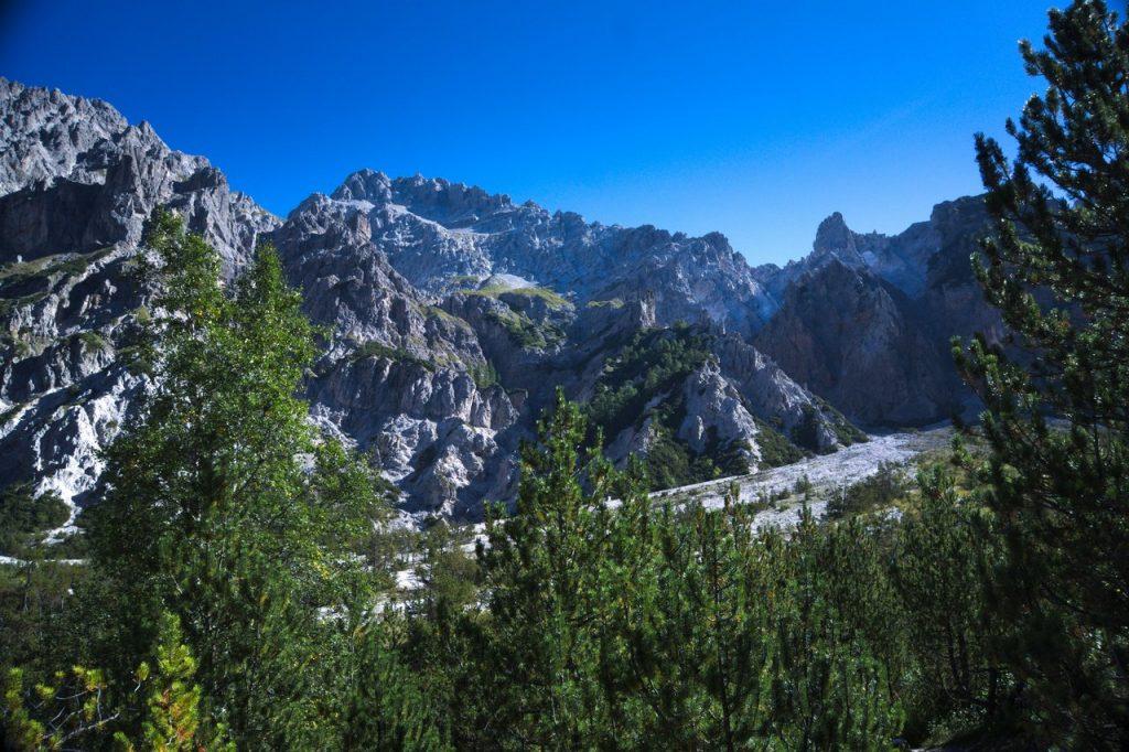 Der Blick zurück auf die Watzmann-Südspitze