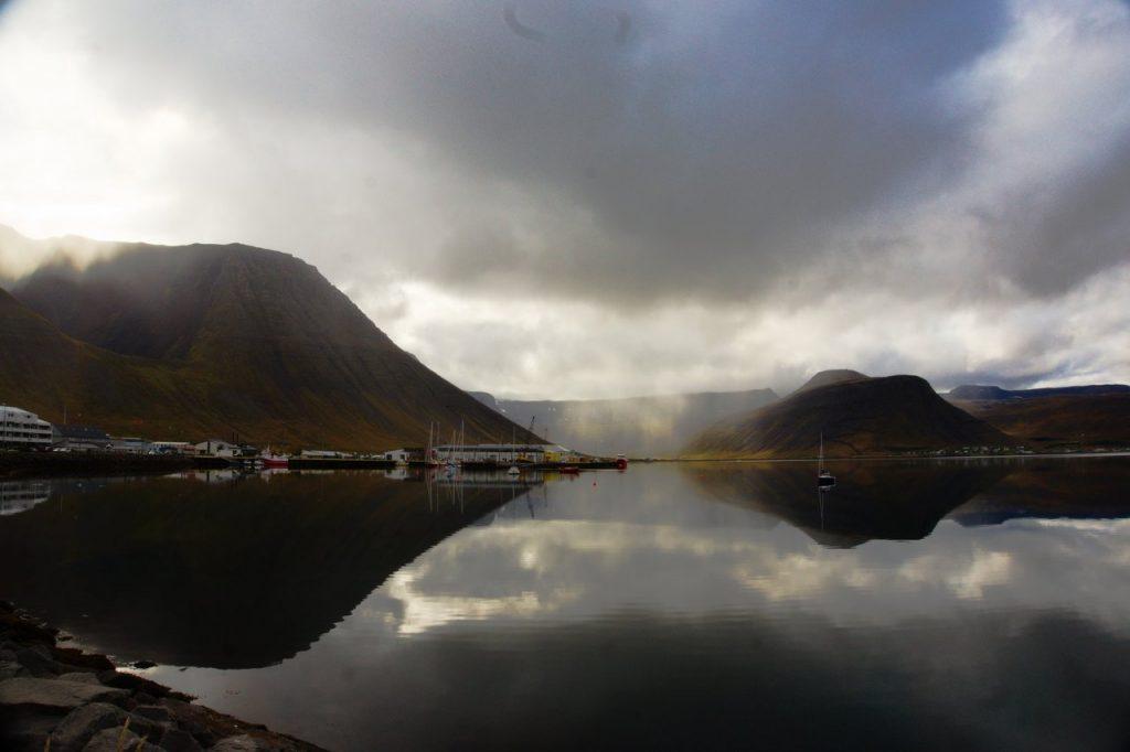 Der Hafen von Ísafjörður