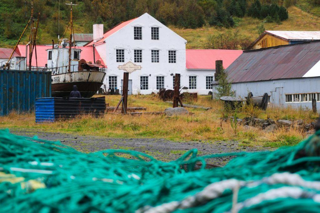 der Hafen von Seyðisfjörður