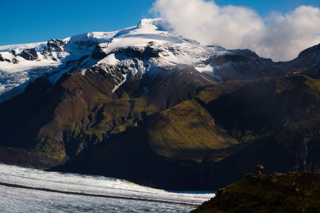 Blick auf den Hvannadalshnúkur, den höchsten Gipfel von Island