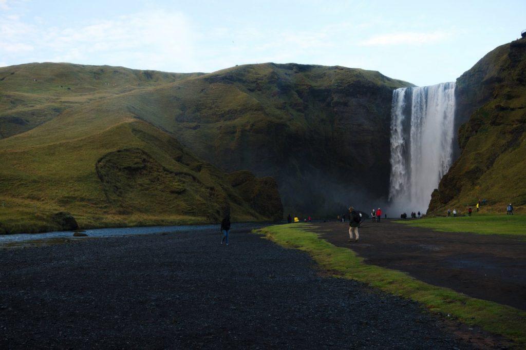 Skogafoss unterhalb des Eyjafjallajökull